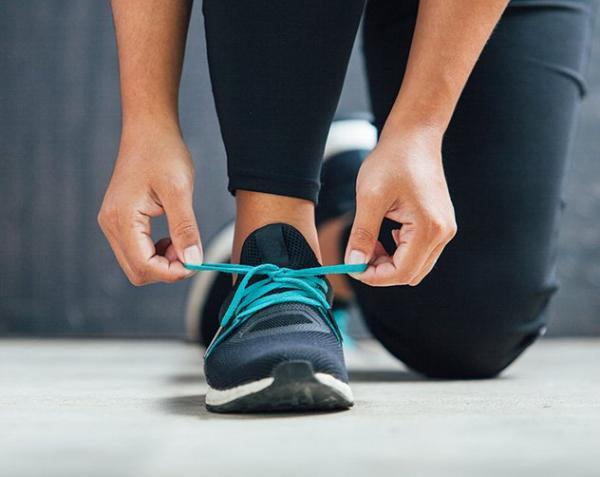 568573907 مجلة زهرة السوسن - الحذاء الرياضيّ المناسب لشكل قدمكِ لتمارين ...