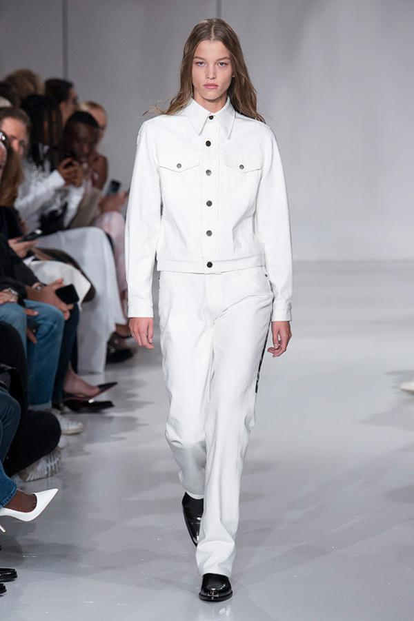 635207903 ارتدي البزّة البيضاء، تقدّمي بخطوات واثقةٍ واغلبي الجميع بإطلالتكِ هذا  الربيع