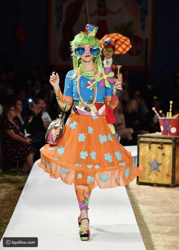 8bdc5845a مجلة زهرة السوسن - عرض أزياء أشبه بالسيرك قدمته دار