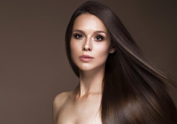 0a158a613aad8 مجلة زهرة السوسن - خلطات لتنعيم الشعر  وصفات منزلية طبيعية للتخلّص ...