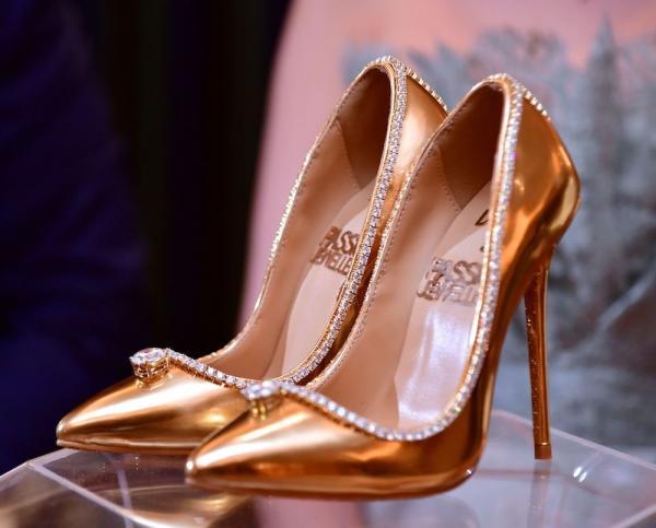5c894e5a8 مجلة زهرة السوسن - صور أغلى حذاء في العالم: يبلغ ثمنه 17 مليون دولار وموجود  في دبي