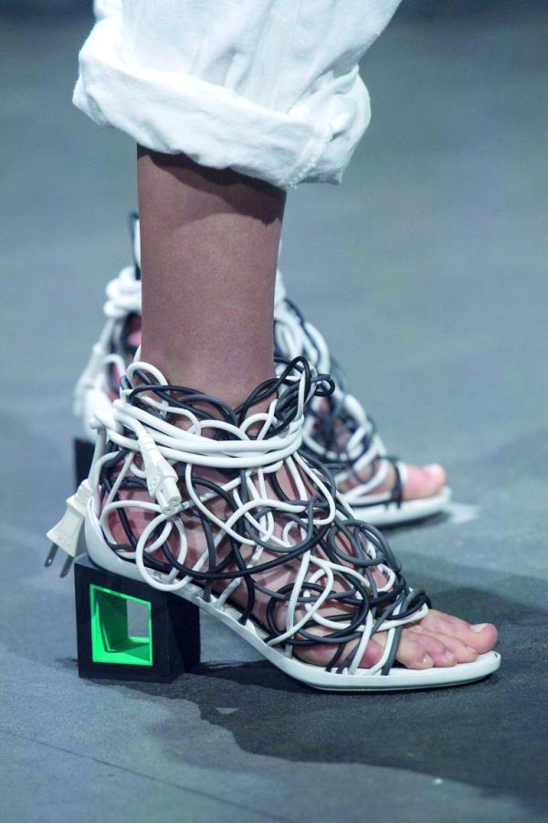 430c004c3 الأشكال المبتكرة لكعب الحذاء... ستجعلكِ مواكبة لآخر صيحات موسم ربيع وصيف  2019