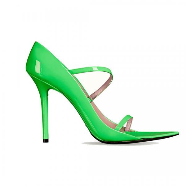 2b8efe743 3 أحذية رائجة اخترناها لكِ لشهر يونيو: مبتكرة، مريحة وعملية